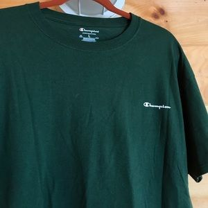 FORREST GREEN CHAMPION LOGO GRAPHIC TEE